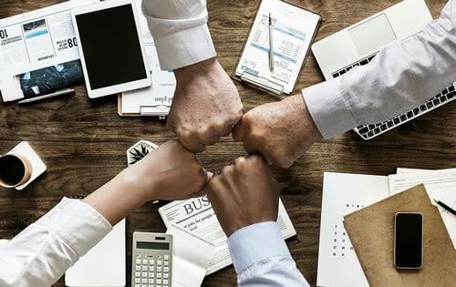 presentar la Beca de Colaboracion